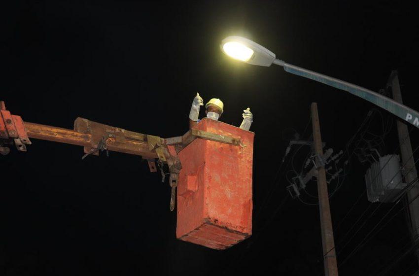 Prefeitura inicia troca de lâmpadas queimadas na iluminação pública