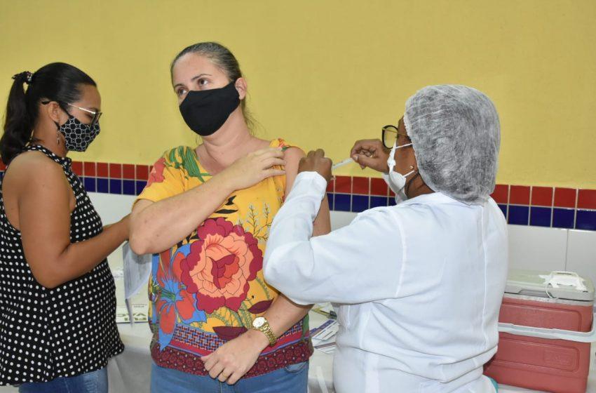 Vacinação contra covid-19 é ampliada para todos os Professores